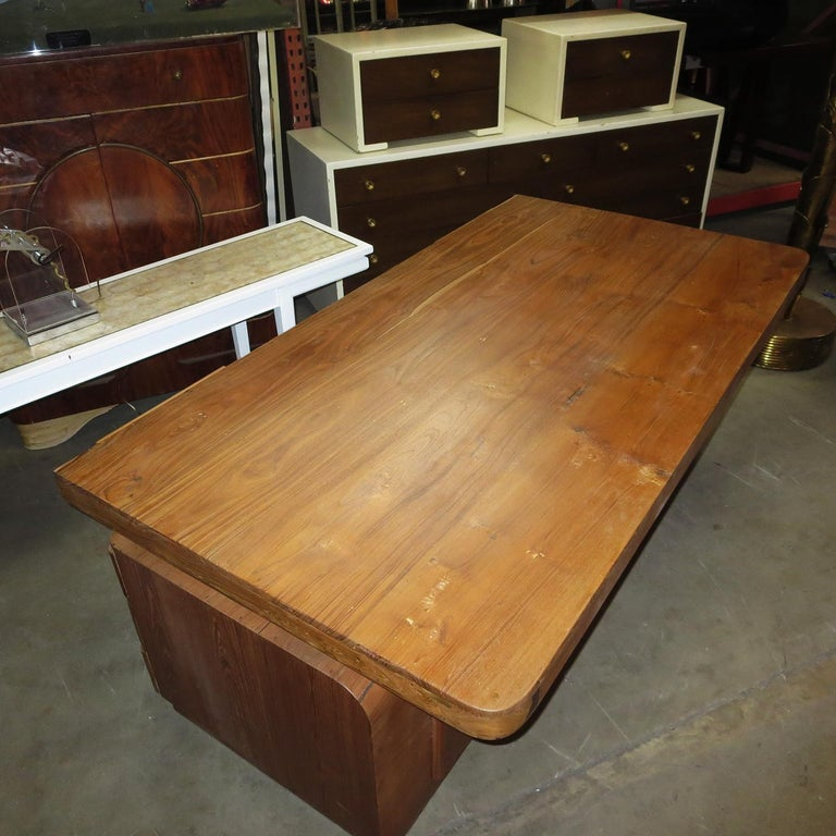 Mid-20th Century Art Deco Executive Desk in Walnut For Sale