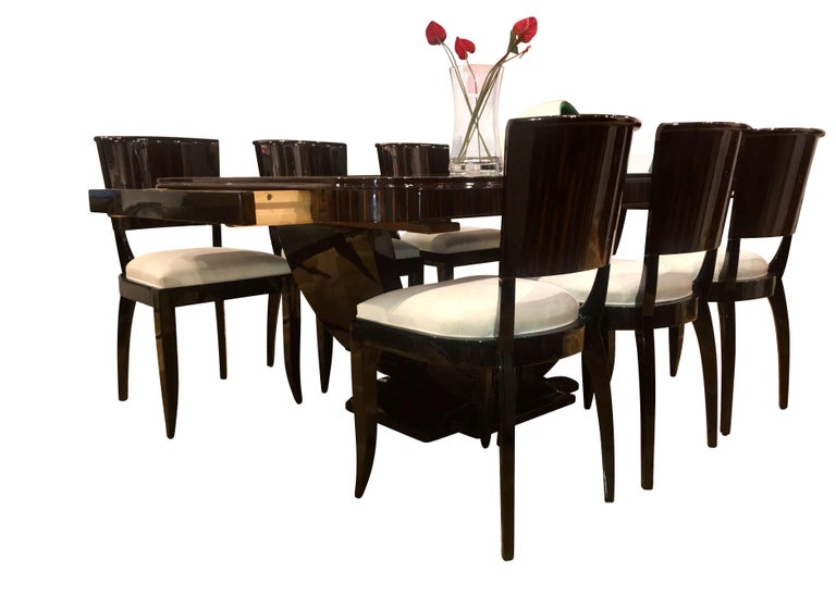 Expandable Art Deco Dining Room Set in Macassar, France circa 1925 For Sale 7