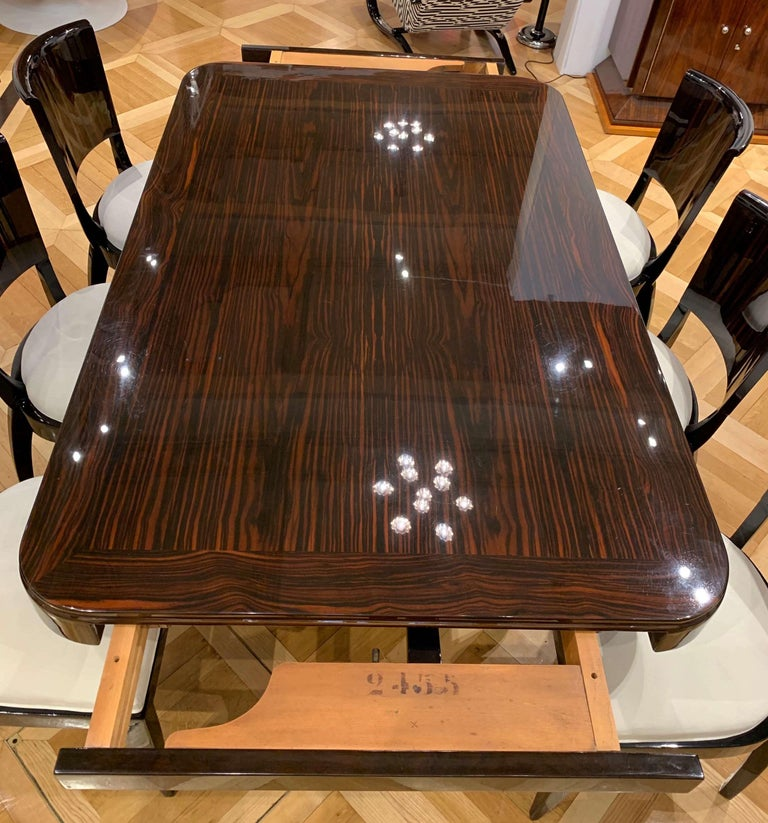Expandable Art Deco Dining Room Set in Macassar, France circa 1925 For Sale 10