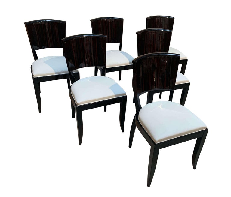 Expandable Art Deco Dining Room Set in Macassar, France circa 1925 For Sale 2