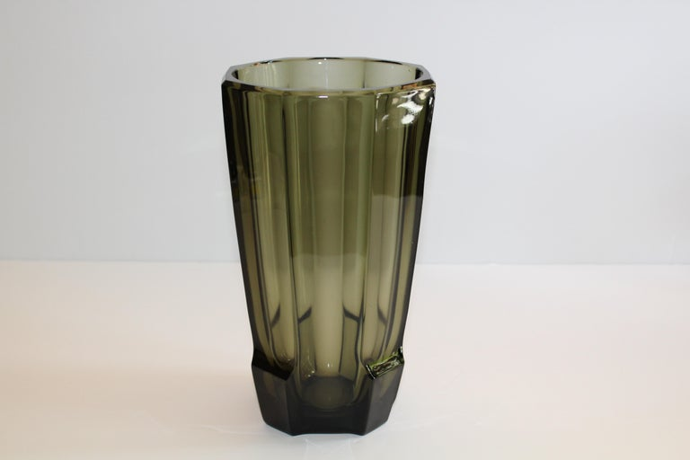 Art Deco Faceted Black Glass Vase in the Style of Moser In Good Condition For Sale In Stamford, CT