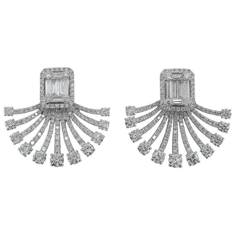 Art Deco Fan Style Diamond Illusion Setting 18 Karat White Gold Earrings For Sale