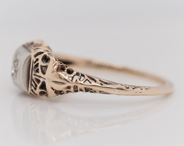 Art Deco Filigree Carved 10 Karat Two-Tone Gold Solitary Diamond Ring For Sale 2