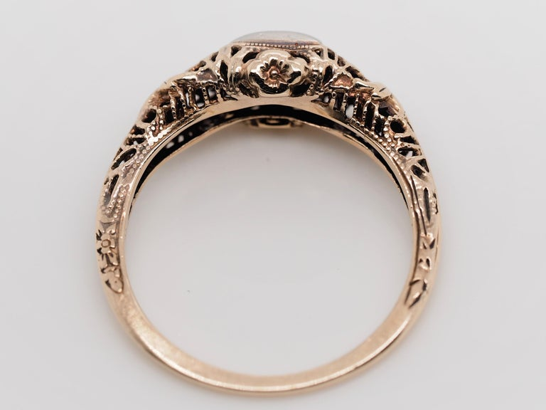 Art Deco Filigree Carved 10 Karat Two-Tone Gold Solitary Diamond Ring For Sale 3
