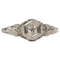 Art Deco Filigree Carved 18 Karat White Gold Antique Solitaire Engagement Ring