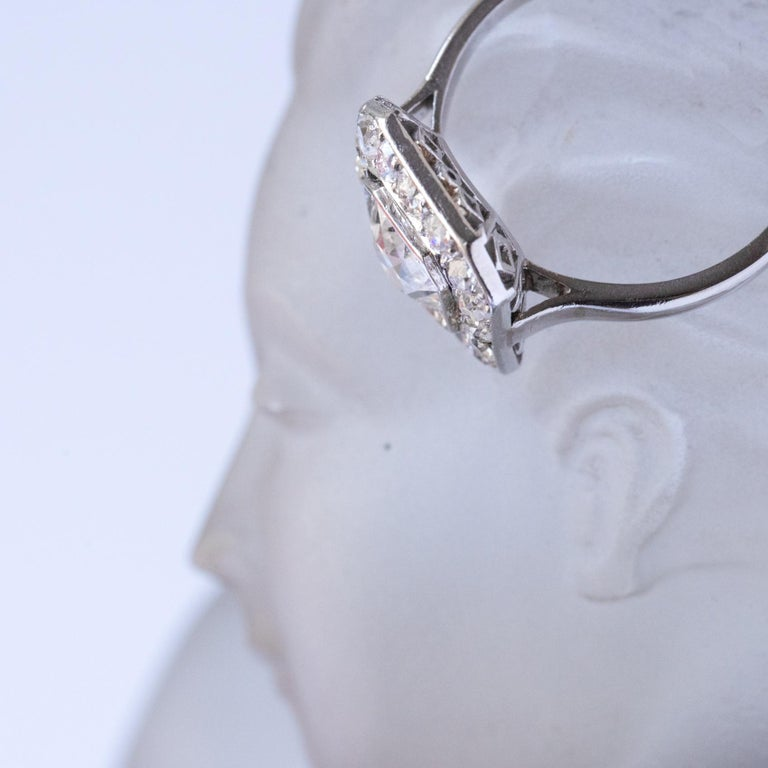Art Deco French 2.60 Carat Diamond Platinum Ring For Sale 5