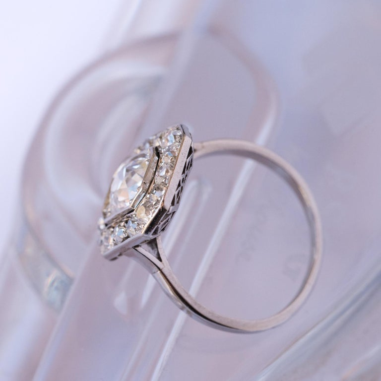 Art Deco French 2.60 Carat Diamond Platinum Ring For Sale 2