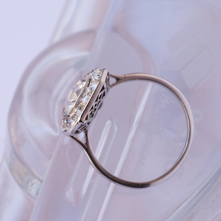 Art Deco French 2.60 Carat Diamond Platinum Ring For Sale 3
