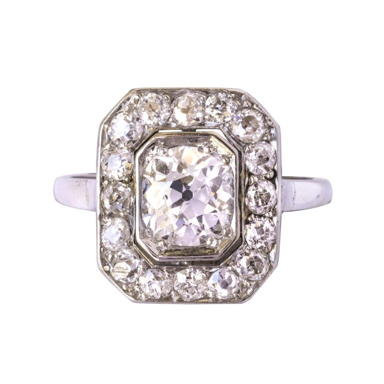 Art Deco French 2.60 Carat Diamond Platinum Ring For Sale