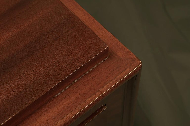 Art Deco French Chest of Drawers / Commode in Cherrywood In Excellent Condition For Sale In Houston, TX