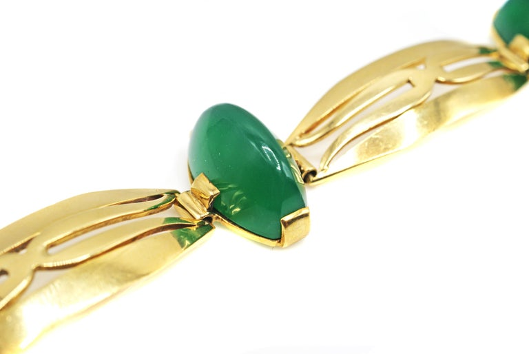 Cabochon Art Deco French Chrysoprase 18 Karat Yellow Gold Bracelet For Sale