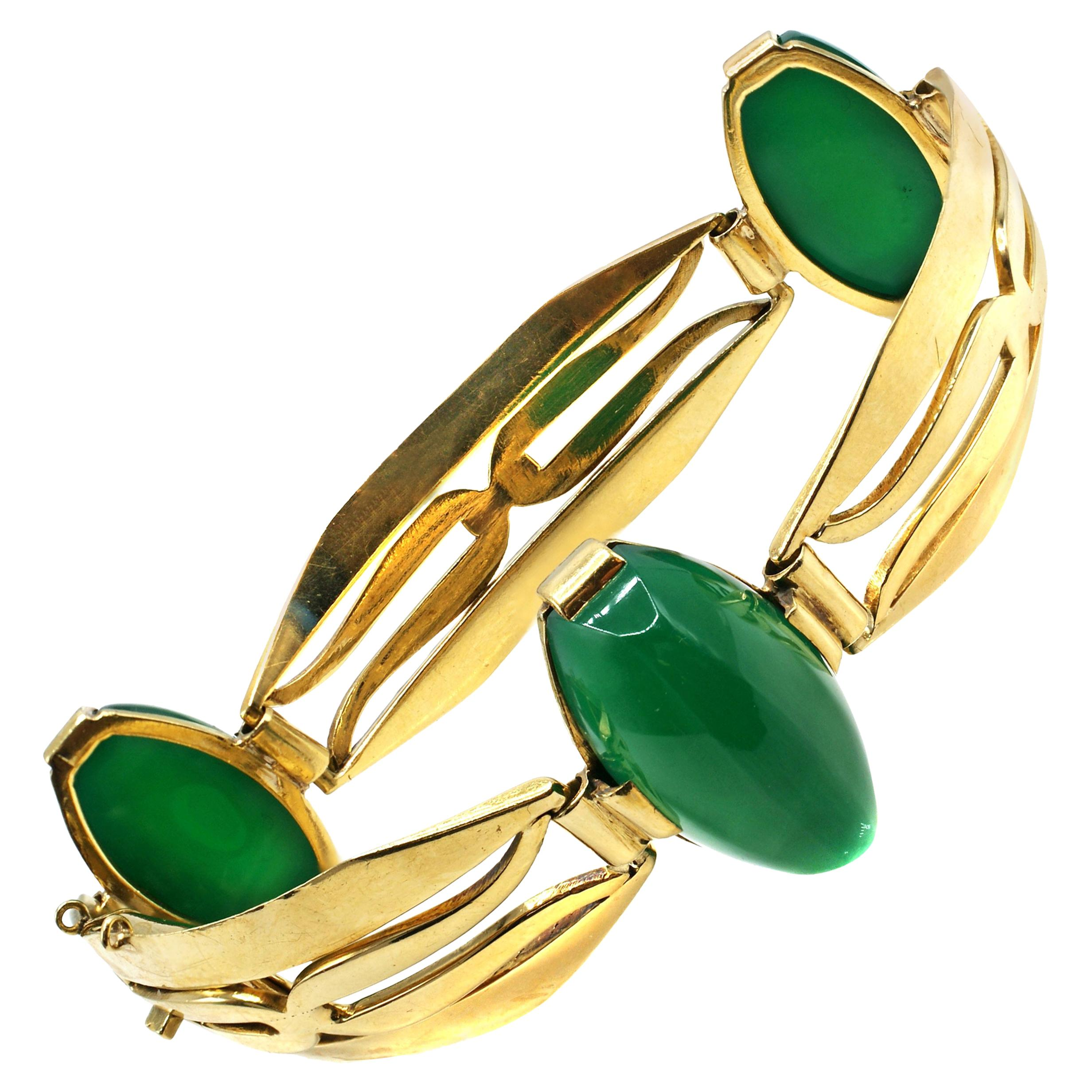 Art Deco French Chrysoprase 18 Karat Yellow Gold Bracelet