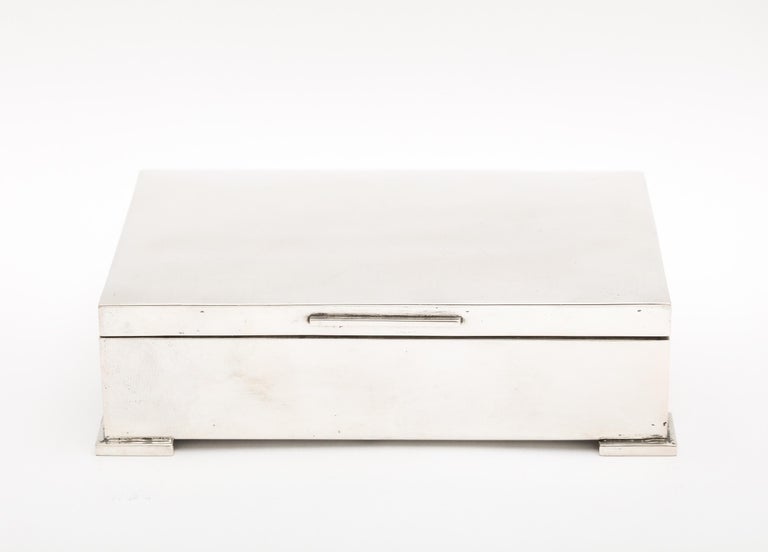 Art Deco French Continental Silver '.800' Footed Table Box In Good Condition For Sale In New York, NY