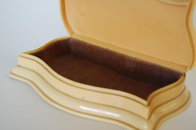Mid-20th Century Art Deco French Ivory 'Celluloid' Vanity Jewelry Box For Sale