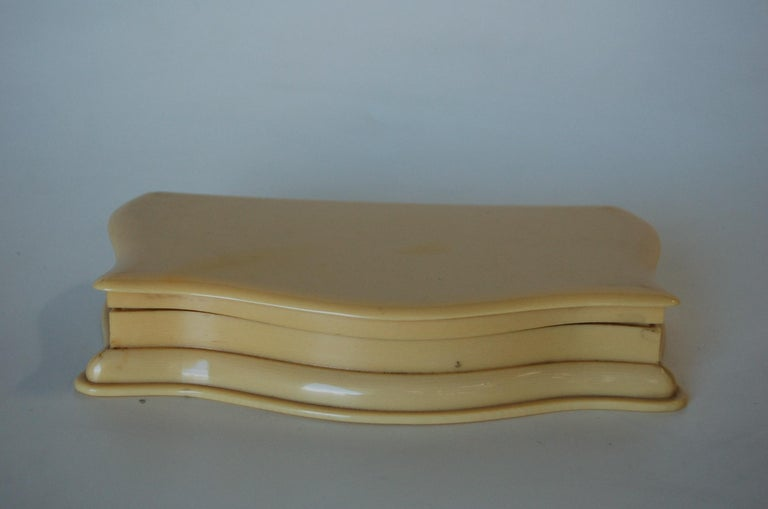 Art Deco French Ivory 'Celluloid' Vanity Jewelry Box For Sale 1