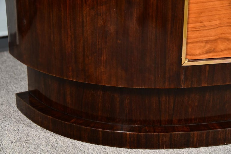 Art Deco French Sideboard in Walnut In Good Condition For Sale In Houston, TX