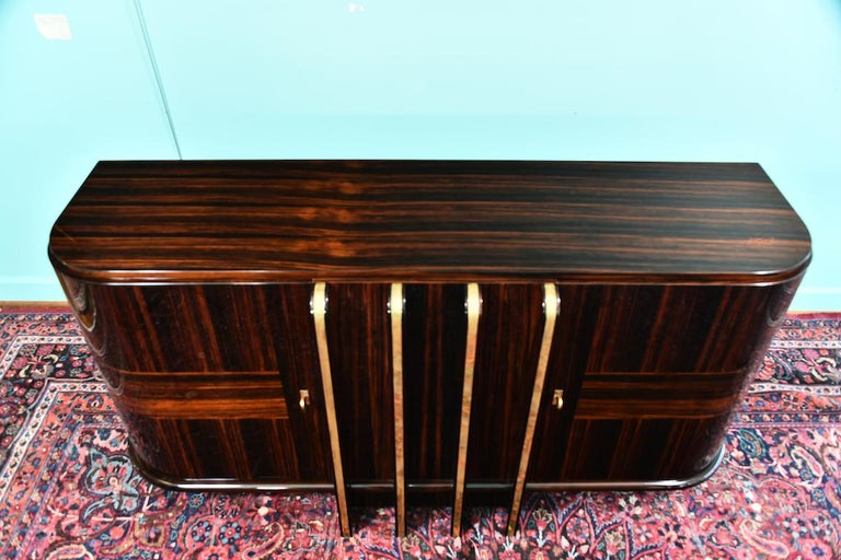 Art Deco French Sideboard with 4 Brass Vertical Lines in Macassar For Sale 9