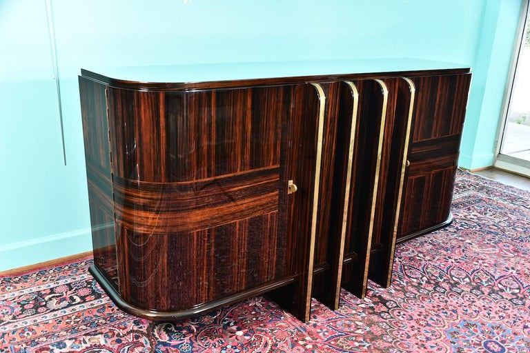 Art Deco French Sideboard with 4 Brass Vertical Lines in Macassar For Sale 10