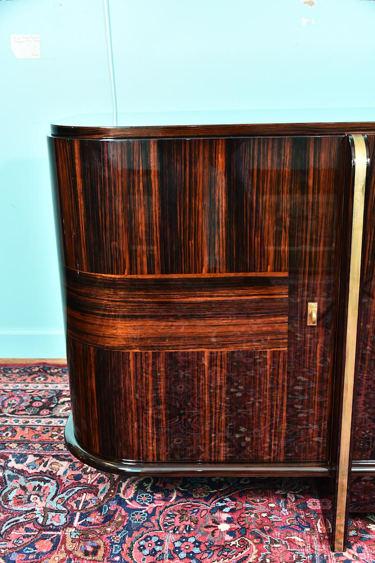 Art Deco French Sideboard with 4 Brass Vertical Lines in Macassar For Sale 1