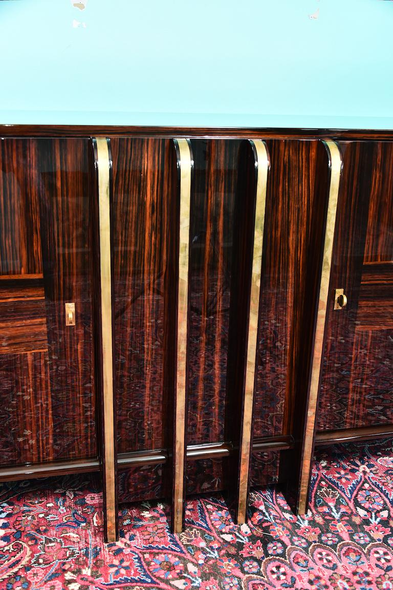 Art Deco French Sideboard with 4 Brass Vertical Lines in Macassar For Sale 2