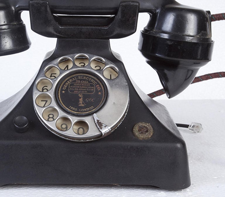 Art Deco General Electric Bakelite Telephone In Good Condition For Sale In Nantucket, MA