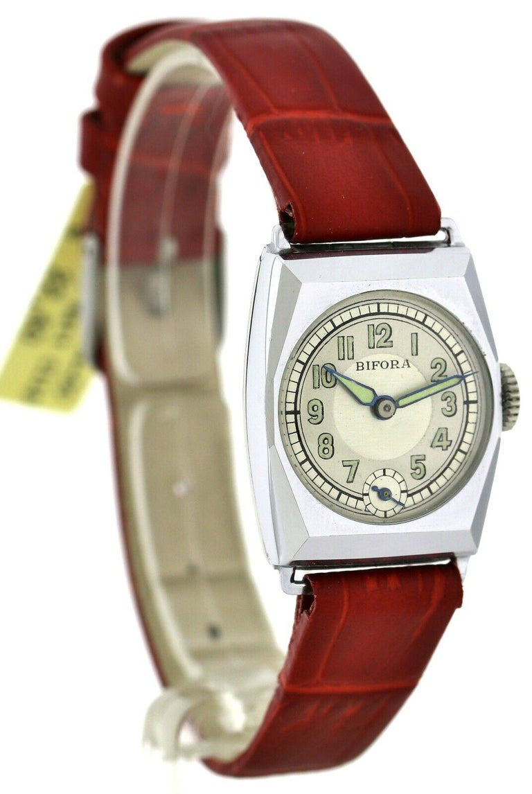 Men's Art Deco Gents Wristwatch Old Stock, Never Worn, Newly Serviced, 1930 For Sale