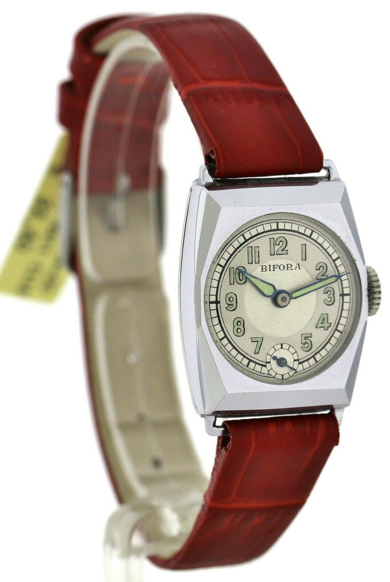Art Deco Gents Wristwatch Old Stock, Never Worn, Newly Serviced, 1930 For Sale 2