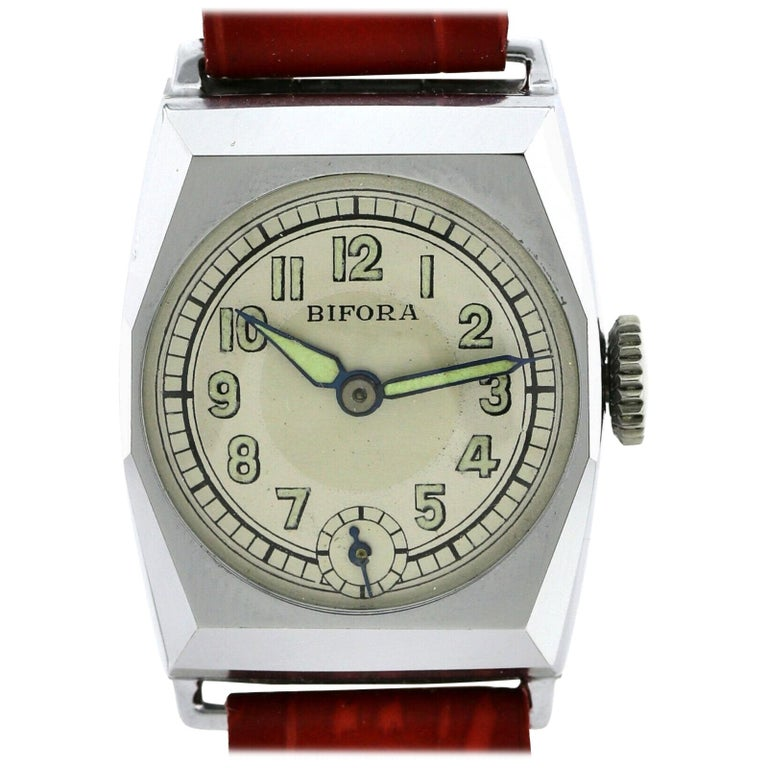 Art Deco Gents Wristwatch Old Stock, Never Worn, Newly Serviced, 1930 For Sale
