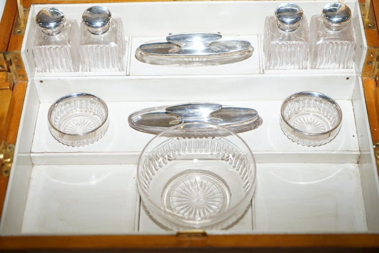 Art Deco George Betjemann & Sons Metamorphic Dressing Table Sterling Silver Set For Sale 10
