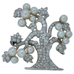 Art Deco GIA Certified Natural Pearl and Diamond Brooch