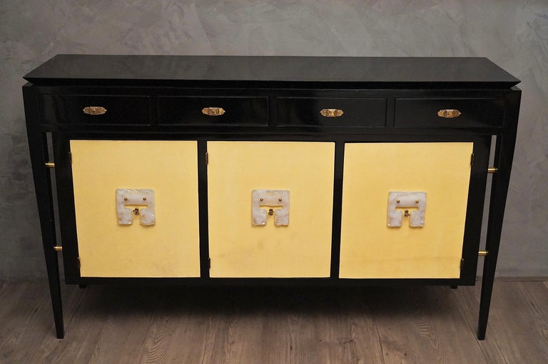 Art Deco Goatskin and Black Lacquered Wood Italian Sideboard, 1940 For Sale 1