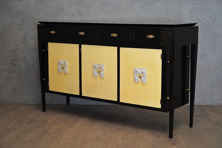 Art Deco Goatskin and Black Lacquered Wood Italian Sideboard, 1940 For Sale 3