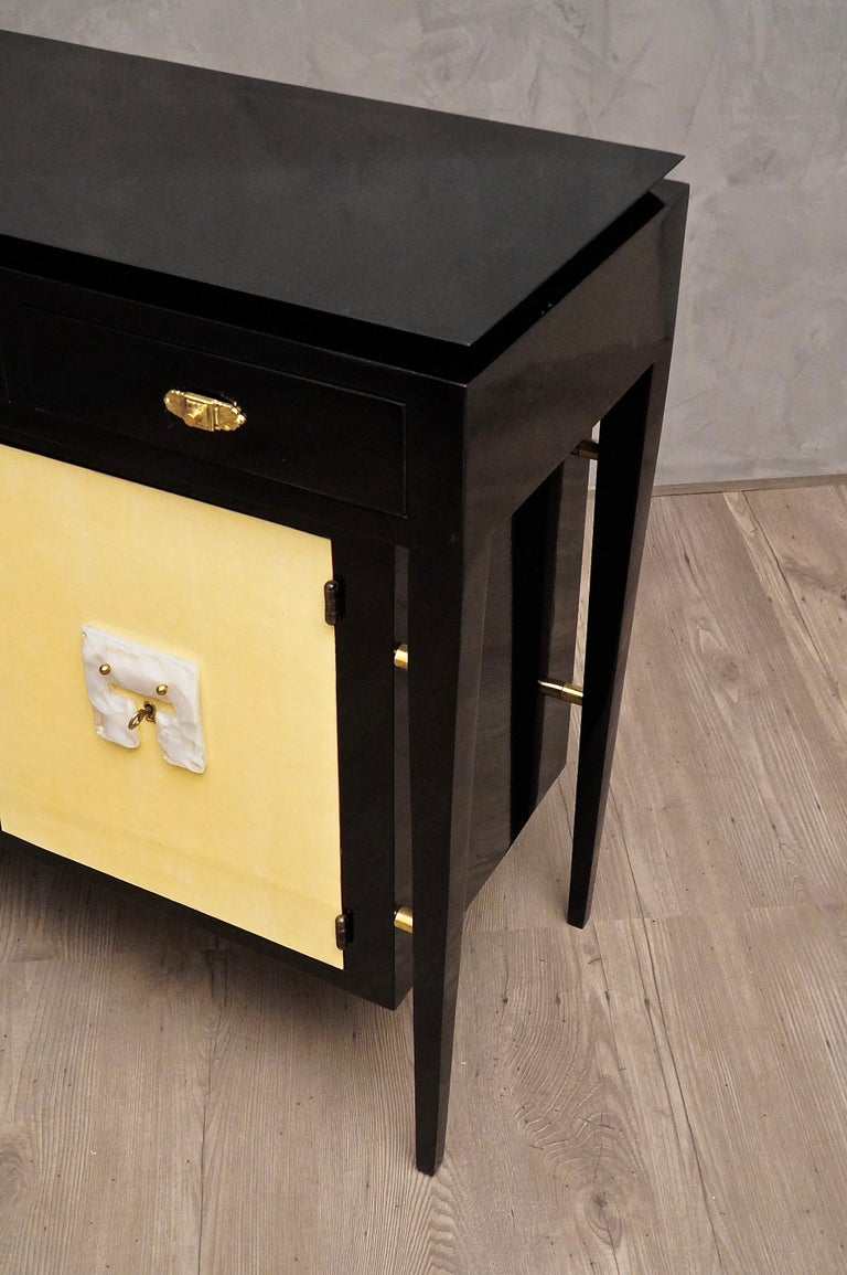 Art Deco Goatskin and Black Lacquered Wood Italian Sideboard, 1940 For Sale 4