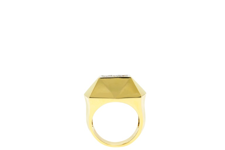Round Cut Art Deco Style Gold Diamond Ring For Sale