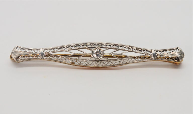 Art Deco Gold Filigree Bar Pin with Diamond Feature For Sale 3