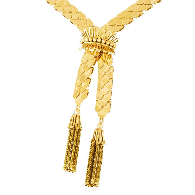Art Deco Gold Necklace with Tassels 18 Karat, circa 1930s, Swiss In Good Condition For Sale In Litchfield, CT