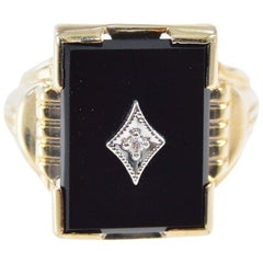Art Deco Gold Ring with Black Onyx and Diamond