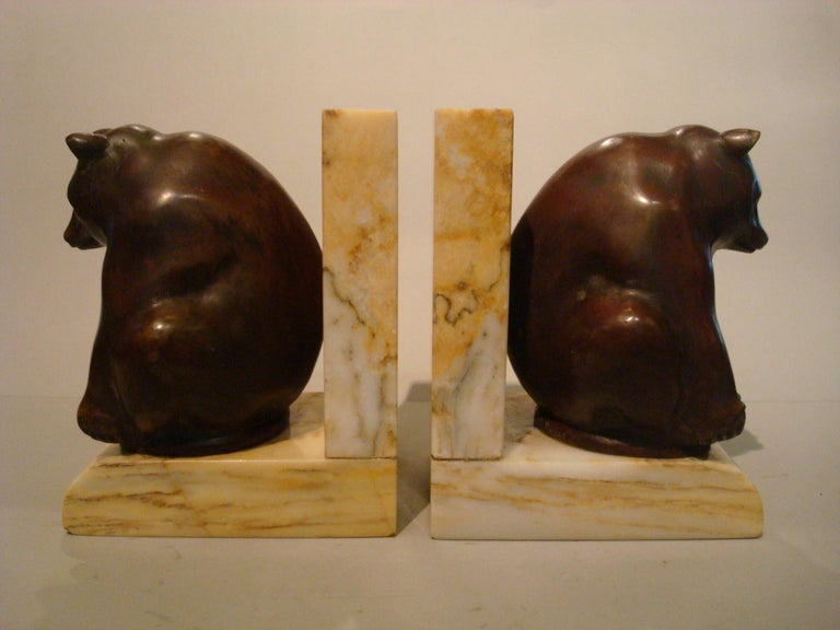 French Art Deco Grisby Bear Sculpture Bronze Bookends, France, circa 1925 For Sale