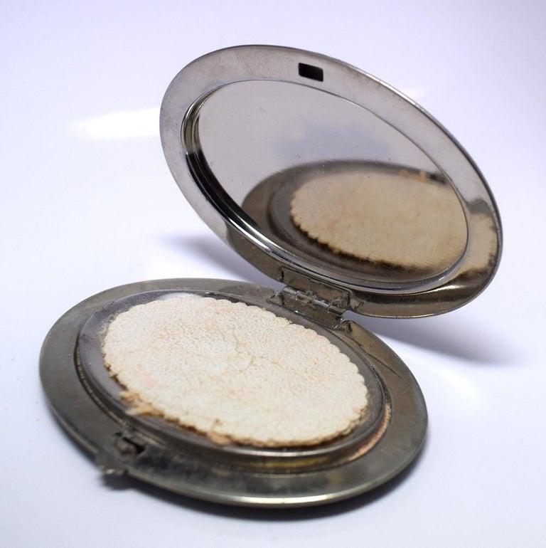 Art Deco Gwenda 1930s Art Deco Ladies Powder Compact In Good Condition For Sale In Devon, England
