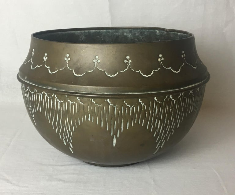 A very nice handcrafted decorative Art Deco pot. 