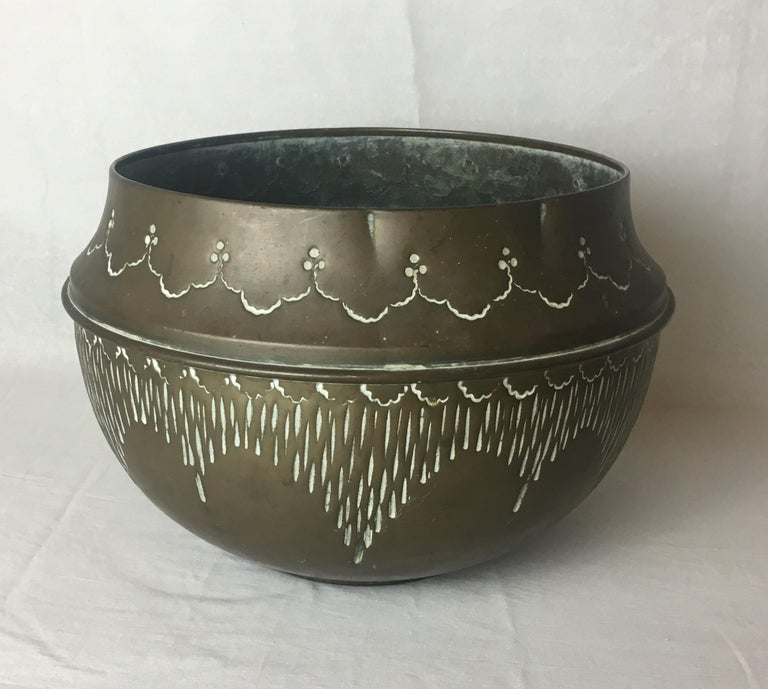20th Century Art Deco Handcrafted Decorative Copper Pot or Bowl For Sale