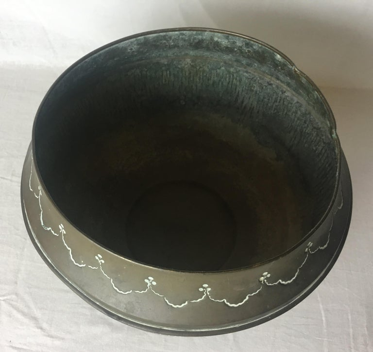 Art Deco Handcrafted Decorative Copper Pot or Bowl For Sale 1