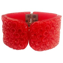 Art Deco heavily carved Lipstick red clamper hinged bangle bracelet