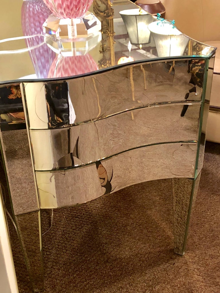 Art Deco Inspired  Beveled Mirrored Vanity Desk Hollywood Regency Style For Sale 4