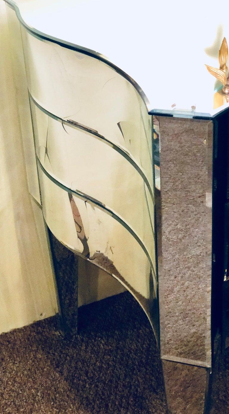 Art Deco Inspired  Beveled Mirrored Vanity Desk Hollywood Regency Style For Sale 5