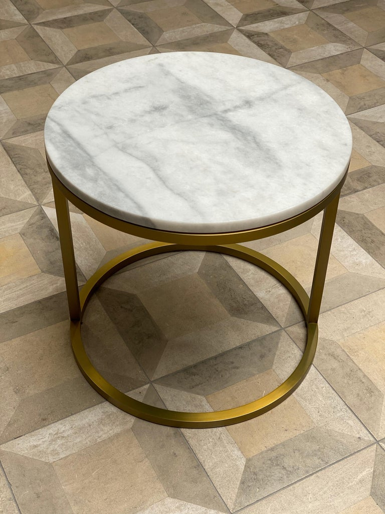 Contemporary Art Deco Inspired Diana Round Coffee Table in Brass Tinted and Arabescato Marble For Sale
