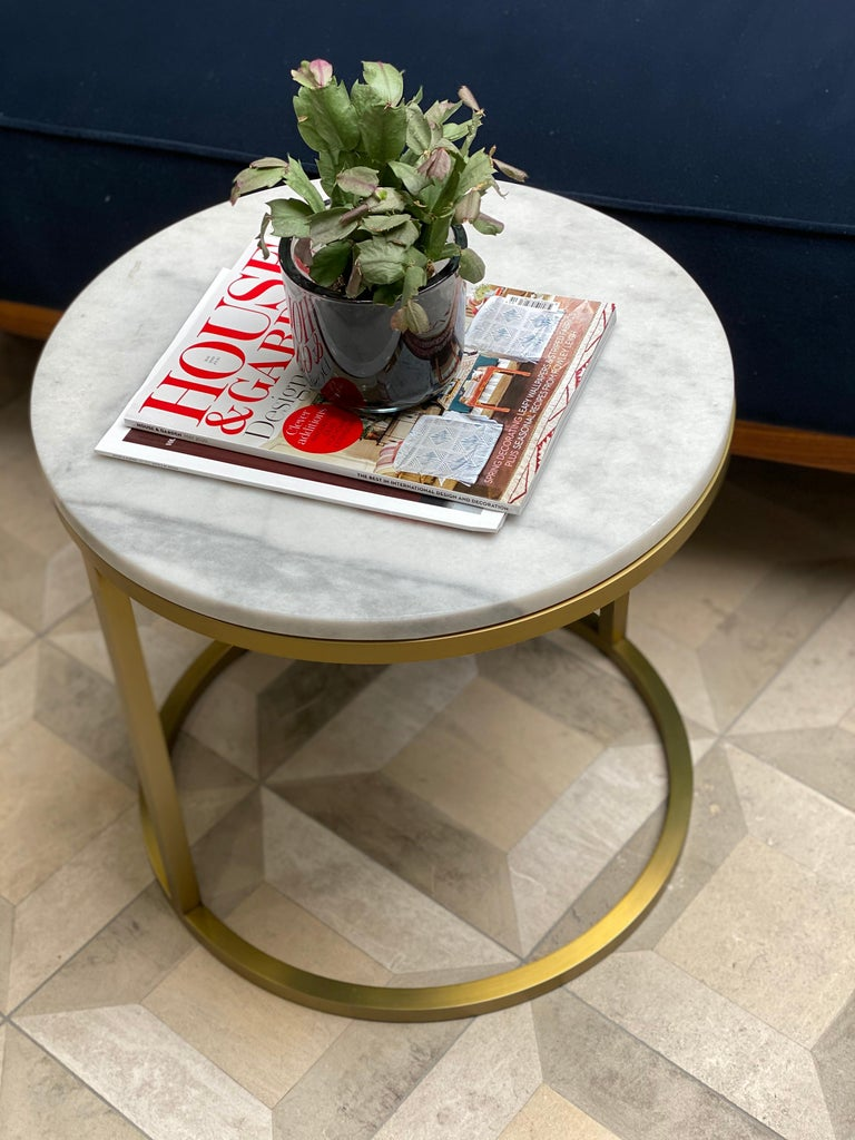 Art Deco Inspired Diana Round Coffee Table in Brass Tinted and Arabescato Marble For Sale 2