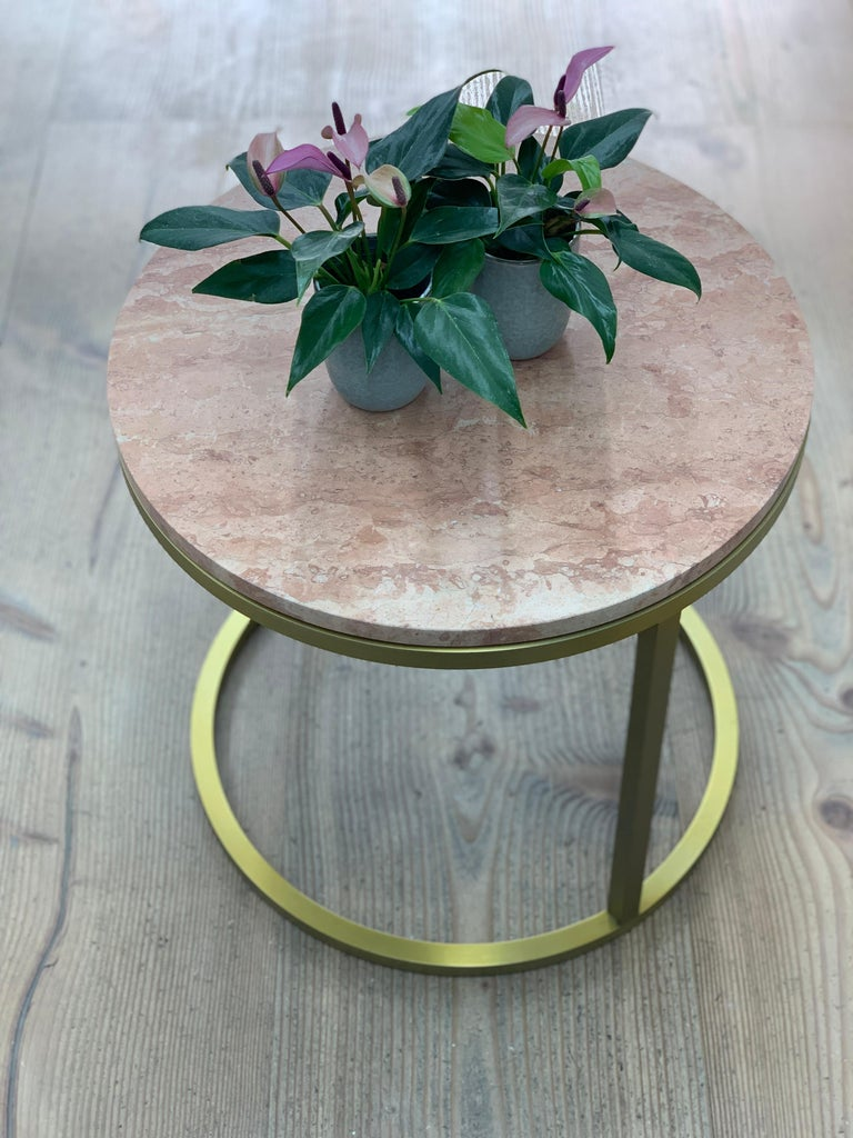 Art Deco Inspired Diana Round Coffee Table in Brass Tinted and Pink In New Condition For Sale In London, GB