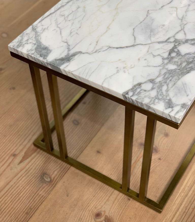 Art Deco Inspired Elio Side Table Antique Brushed Brass Tint & Arabescato Marble In New Condition For Sale In London, GB