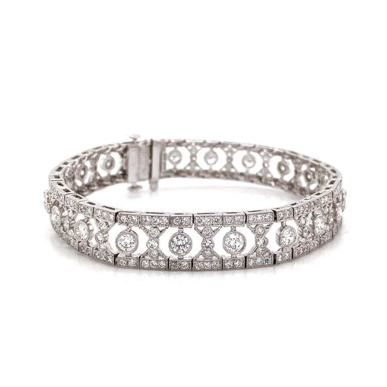 Art Deco Inspired Round Cut Diamonds 6.12 Carat Platinum Bracelet In New Condition For Sale In New York, NY